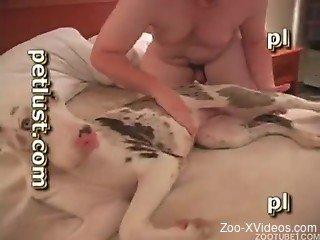 Fatty woman wants her dog to fuck her hard