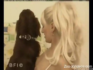 Blonde beauty sensually sucks her doggy after awesome bestiali...