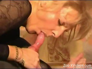 Sweet blonde with big bottom jumps on her black doggy